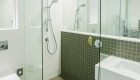 30 Euston Square hotel bathroom