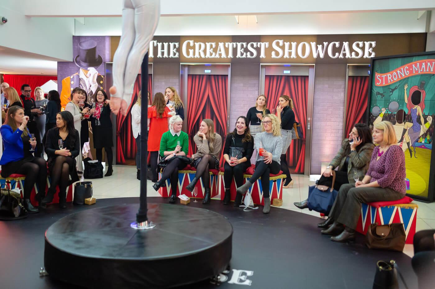 showcase-enjoying-pole
